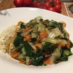 Green mangold with carrot onion and rice in a soy sauce#organic #dinner #healthydetoxsmoothie #healthy #lifestyle #cleaneating #nature #pure #eatclean #food #glutenfree #body #fitness #balance #mindfulness #coach #yoga #ironman #igers #homemade #fresh #swim #run #bike #photo #plantbased #enjoy  detox glten free healthy cleaneating