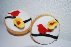 Cupcakes with birds! #cupcakes #baking