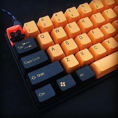 Pumpkin fail. Cant find the right shade of orange. #mechanicalkeyboard #mechanicalkeyboards #pok3r #hotkeysproject #geekhack #keyclackers #CherryMX