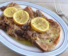 Costeletas de porco no forno com limão | Food From Portugal Honey Pork Chops, Fried Pork Chops, Lemon Recipes, New Recipes, Veal Chop, Gluten Free Rice, Chops Recipe, Pork Chop Recipes, Spice Mixes