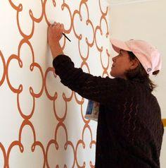 Create A Clover Stencil Wall Treatment