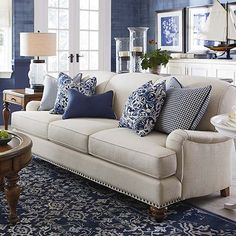 Bildergebnisse für das Anreden der beige Couch - Home Design Coastal Living Rooms, New Living Room, Living Room Sofa, Living Room Interior, Home And Living, Small Living, Cream Sofa Living Room Color Schemes, Blue Living Room Furniture, Living Area