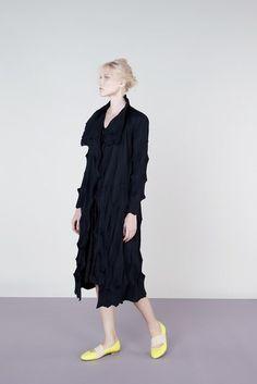 Issey Miyake | Resort 2013 Collection | Vogue Runway