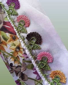 37 different crochet needlework patterns that amaze the viewers Crochet Flower Patterns, Loom Patterns, Baby Knitting Patterns, Crochet Flowers, Saree Tassels Designs, How To Wear Scarves, Floral Tie, Needlework, Free Pattern