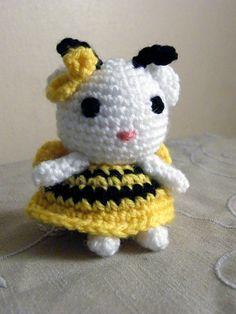 Bumblebee Kitty by manda_chan, free crochet pattern