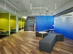 Gensler completed the design of the MakeOffices K Street coworking space located in Washington DC. MakeOffices is a growing company specializing in Luxury Vinyl Flooring, Best Flooring, Luxury Vinyl Plank, Parquet Flooring, Flooring Options, Open Office, Office Floor, Shared Office, Office Spaces