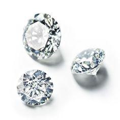 Les diamants de RenéSim http://www.vogue.fr/joaillerie/le-bijou-du-jour/diaporama/renesim-maximilian-hemmerle-site-joaillerie-en-ligne-pierres-precieuses/11360#2