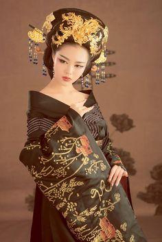 Asian girl - xpensive beauty asian beauty in 2019 vestidos chinos, adornos Oriental Dress, Oriental Fashion, Asian Fashion, Hanfu, Asian Woman, Asian Girl, Moda Ulzzang, Geisha Art, Chinese Culture
