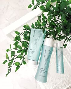 This system brings volume, strength and shine to thin, stressed or ageing hair. By promoting the appearance of voluminous, thicker and shinier hair, our ageLOC Nutriol products will leave your hair feeling stronger and looking healthier day after day. Hair Locks, Hair Scalp, Hair Serum, Soft Hair, Shiny Hair, Nutriol Shampoo, Nu Skin Ageloc, Parting Hair, Hair System