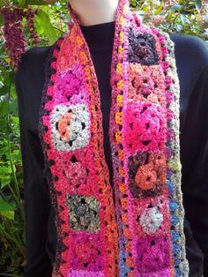 Echarpe laine Noro fait main au crochet granny. Noro, laine et soie japonaise excellente qualite.Mode2015 : Echarpe, foulard, cravate par french-touch