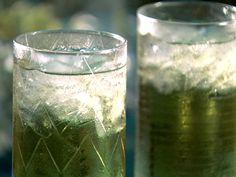 Swamp Water - New Ideas Swamp Water Swamp Water - 1 shot Apricot Brandy 1 shot Lime Vodka and Lemonade (frozen lemonade works best, oh not the pink lemonade use yellow) Swamp Water Drink, Drinking Water, Frozen Lemonade, Pink Lemonade, Alcohol Drink Recipes, Water Recipes, Liquor Drinks, Alcoholic Drinks, Cocktails