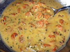 Ingredientes 1 Quilo de camarão limpo 150 Gramas de cogumelos 2 Caixas de creme de leite 1 Cebola 3 Dentes de alho 2 Colheres ...