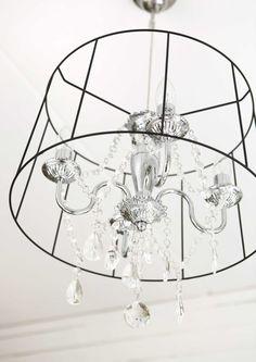 kuva Scandinavian Home, Ceiling Lights, Rustic, Lighting, Koti, Hem, Chandeliers, Home Decor, Country Primitive