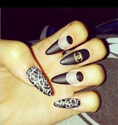 Manicure Monday: Zendayas Matte Black Chanel Nails - Hollywood Life
