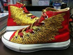 Its like percy jackson shoes!!!!! My next project! ^_^