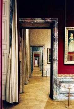 Great example of 'enfilade' Patrick Tourneboeuf, Versailles Style Français, Royal Bedroom, Color Trends 2018, Shotgun House, Distressed Walls, Interior And Exterior, Interior Design, Palace Of Versailles, Paris Photos