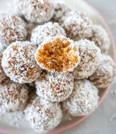 Easy Delicious Paleo Energy Bites made with simple ingredients. Gluten Free Treats, Gluten Free Desserts, Dairy Free Recipes, Paleo Dessert, Healthy Dessert Recipes, Vegan Snacks, Paleo Meals, Paleo Energy Bites, Peanut Butter Energy Bites