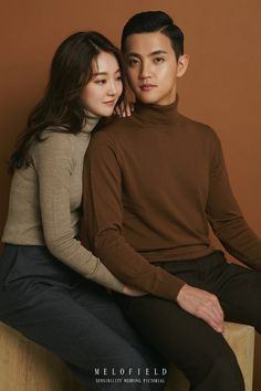 Pre Wedding Poses, Pre Wedding Photoshoot, Hijabi Wedding, Korean Wedding Photography, Studio Poses, Couple Outfits, Couple Posing, Couple Pictures, Uniqlo