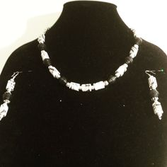 Black and White paper bead choker collar necklace with matching earrings by CJhandmadeJewelry on Etsy