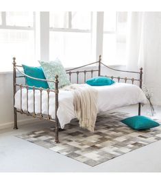 Classical French day bed perfect for all interiors.Valentina French Day Bed - Ivory White - Classical French day bed perfect for all interiors! French Days, Sleeper Sofa, Daybed, Sofas, Mattress, Antiques, Interior, Furniture, Bronze