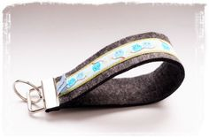 """Süßes Filzschlüsselband: """"Eulen"""" von miss rosaly auf DaWanda.com Personalized Items"""