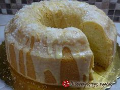 Fluffy eggless, milkless and butter less cake Greek Sweets, Greek Desserts, Greek Recipes, Vegan Desserts, Cupcakes, Cupcake Cakes, Cooking Cake, Cooking Recipes, Fun Cooking