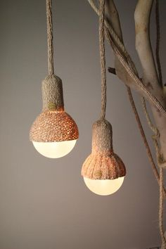 Suspensions Luna Lana en Laine Tricotée par Stephanie NG Design/could we do this with yarn? Home Lighting, Lighting Design, Pendant Lamp, Pendant Lighting, Lamp Light, Light Up, Luminaria Diy, Lamp Shades, Light Shades