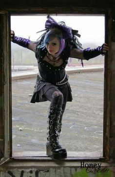 ;-) Punk Rave, Cybergoth, Emo Goth, Gothic Beauty, Cyberpunk, Costumes, Costume Ideas, Steampunk, Cosplay