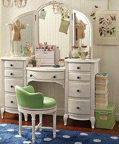 Penteadeira 9 gavetas e espelho