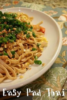 Meatless Monday: Easy Pad Thai