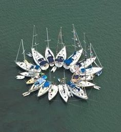Circle of Friends...we never rafted up in a circle..what a great idea..gonna have to try with power boats