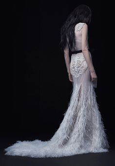 http://www.vogue.com/fashion-shows/bridal-fall-2016/vera-wang/slideshow/collection
