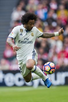 Marcelo Vieira da Silva of Real Madrid controls the ball during the La Liga match between Athletic Club Bilbao and Real Madrid at San Mames Stadium on March 2017 in Bilbao, Spain. Marcelo Real, Mc 12, Athletic Clubs, Football Match, Europa League, Bilbao, Football Players, Sports, Legends