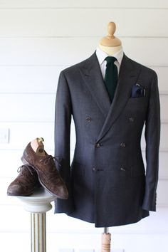 Grenadine Green Tie+No Collar Gap+Perfect Double-Breasted Grey Suit and Peak Lapels+Complementary Pocket Square+Worn-to-Hell Suede Wingtips= Perfect Fall Attire