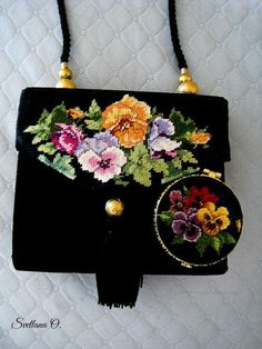 use design to paint flower image on fabric. Thanks Svetlana- use design to paint flower image on fabric. Thanks Svetlana use design to paint flower image on fabric. Thanks Svetlana - Hand Work Embroidery, Embroidery Bags, Embroidery Patterns, Cross Stitch Patterns, Hand Work Design, Unique Handbags, Cross Stitch Alphabet, How To Make Handbags, Flower Images