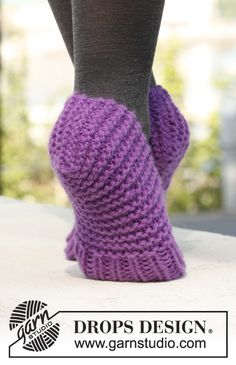 """Knitted DROPS slippers in """"Andes"""". ~ DROPS Design"""