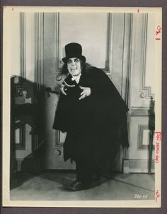 Lon Chaney in London After Midnight Also outlined as a key influence of Jennifer Kent. Monster Horror Movies, Horror Monsters, Horror Movie Posters, Horror Films, London After Midnight, The Babadook, Lon Chaney, Movie Prints, Thing 1