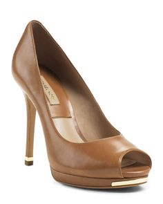 Michael Kors Brenda Peep-Toe Pump. - LUGGAGE $395