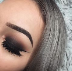 Black and brown shadow, dramatic look. @dcbarroso