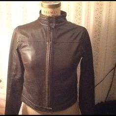 AMERICAN EAGLE BROWN LEATHER CAFE RACER JACKET, 8 AMERICAN EAGLE,  DESCRIPTION Brand: American Eagle Outfitters Size: 8 women's Color: Dark Brown Fabric: 100% Leather Year: 2000s Condition: EXCELLENT condition, worn just a few times. The jacket is also lined.   MEASUREMENTS are in inches Sleeve Length: 25.5 American Eagle Outfitters Jackets & Coats