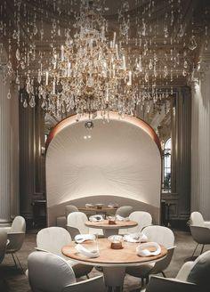 Le restaurant du Plaza Athénée élaborée par le duo Jouin-Manku