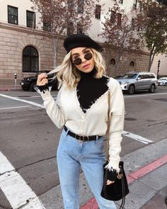 How to wear: beige cardigan, black turtleneck, light blue jeans, black suede Fall Outfits, Casual Outfits, Fashion Outfits, Womens Fashion, Hiking Outfits, Blue Jeans, Beret Outfit, Alternative Rock, Edgy Style