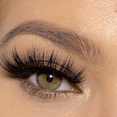3D mink Eyelashes Voluminous, flirty and fearless #aesthetic #makeup #makeuptutorial #eyes #eyemakeuptutorial #fall #fashion #beautyblog Natural False Eyelashes, Natural Eye Makeup, Natural Eyes, Eye Makeup Tips, Mink Eyelashes, Smokey Eye Makeup, Makeup Videos, Makeup Art, Beauty Makeup