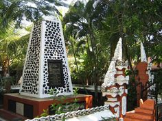 25 Best Things to Do in Kuta (Bali) - The Crazy Tourist Kuta Bali, Bali Travel Guide, Things To Do, Good Things, Fine Dining, Cool Places To Visit, Night Life, Holiday Decor, Beach