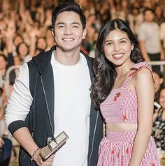 Happy couple! 💑 Maine Mendoza, Alden Richards, What Happened To Us, Tv Awards, Sweet Pic, Now And Forever, Filipino, Jr, Idol