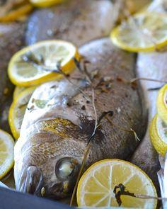 Ryby v papilotu jsem si velmi oblíbila, protože proces dušení, který se v papírovém 'bonbónu' odehrává, dodá vašemu jídlu fantastickou šťavnatost a vůni. Více na ThinkFood.cz...