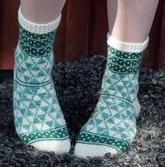 Ravelry: Lady Snow/Tant Snö pattern by Anna Bergman Knitting Socks, Hand Knitting, Knitting Patterns, Knit Socks, Ravelry, Anna, Couture, Leg Warmers, Trekking