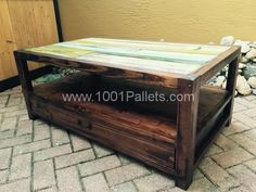 Pallets & Reclaimed Wood For A Coffee Table