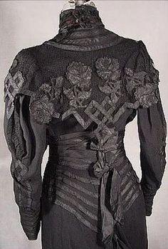 Black Dress, c. 1904  Black Dress #2dayslook #sunayildirim #BlackDress  www.2dayslook.com