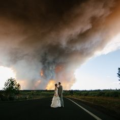 Josh Newton Photography: An Oregon Couple Rushed Through Their Wedding Because Of A Wildfire And The Photos Are Breathtaking